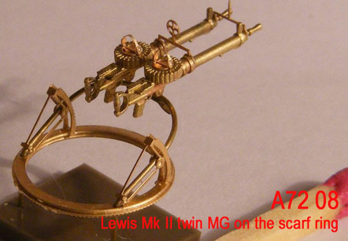 Mini World 1/72 Lewis Mk II twin MG on the scarf ring # 72009
